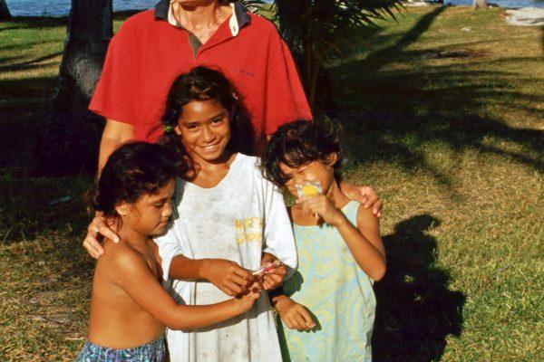 Touamotus Raroia Kinder 8