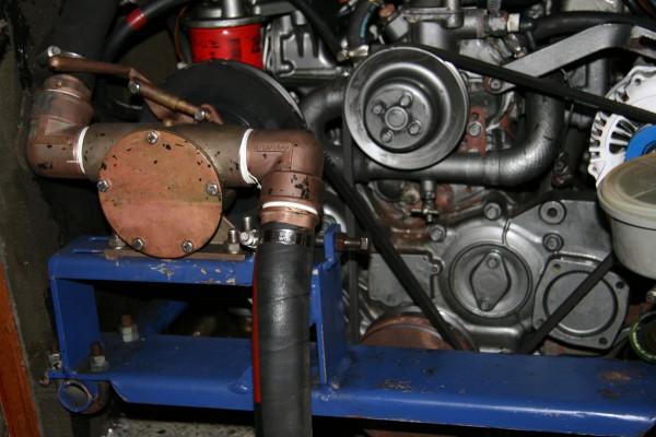JABSCO 250 l/min Lenzpumpe am Motor