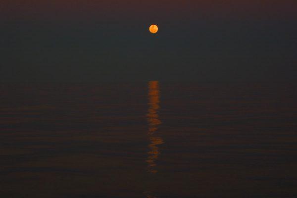 Cape-Hothem-Mond