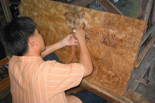 Handwerk-Holzschnitzer-003