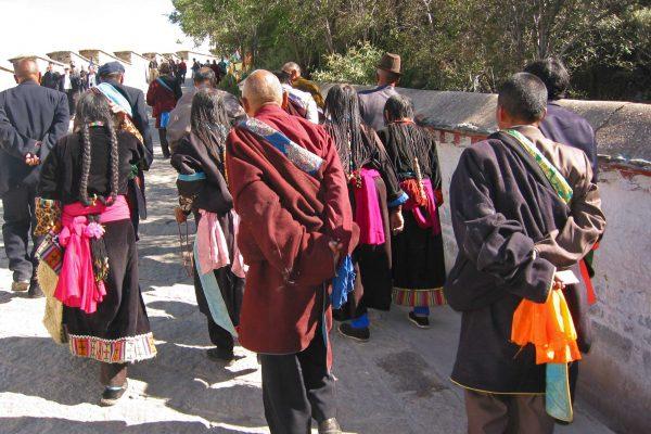 IMG_0106Tibet-Lhasa-Vor-Pot