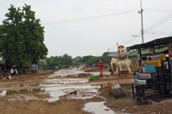 Kambodscha-Strasse-10