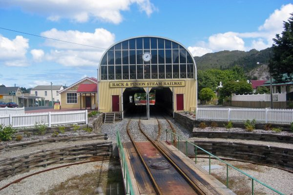 Tasmania_Queenstown_Railw_1