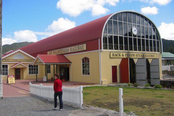 Tasmania_Queenstown_Railw_2